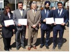 Entrega de los Diplomas de Gratitud a Inmigrantes de India